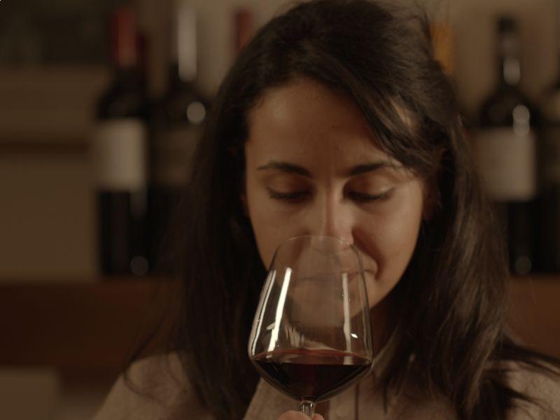 Il profumo del vino: aromi, percezioni olfattive e sentori.